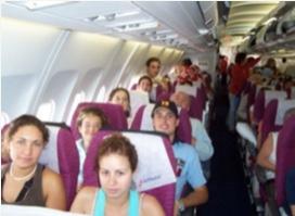 Rostros felices y despreocupados son habituales entre los inconscientes pasajeros.