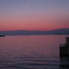 Crepúsculo vespertino en el fondeadero de Génova.
