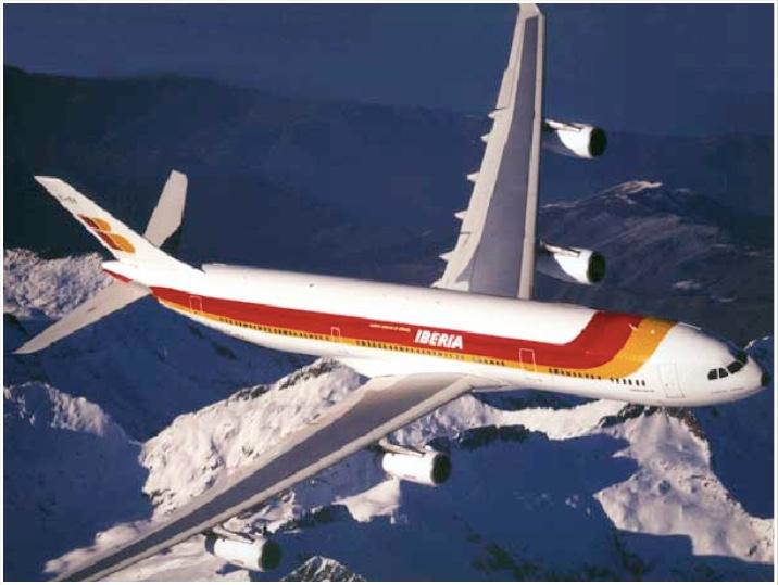 Un aeroplano sobrevuela alegremente una cordillera rocosa. (Fotografía de autor desconocido)