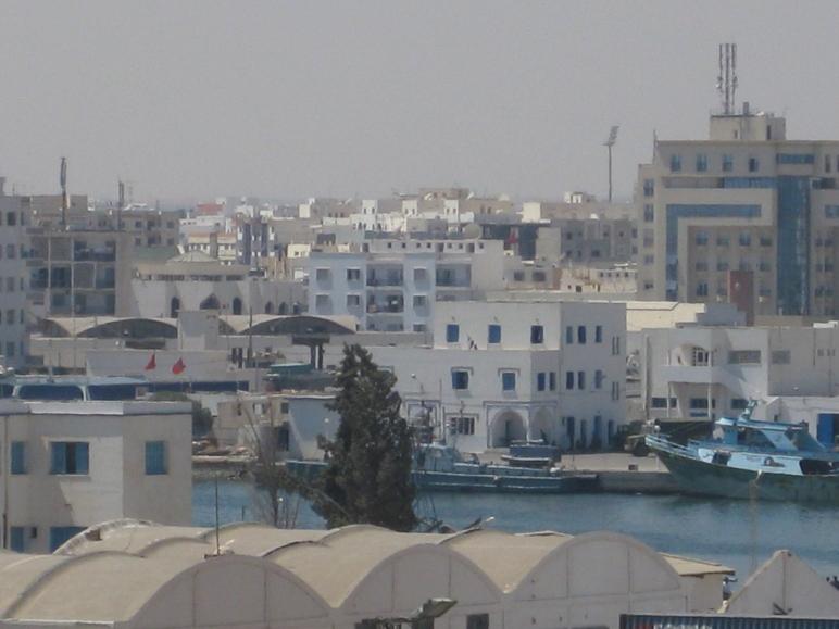 Vista del tunecino puerto de Sfax.