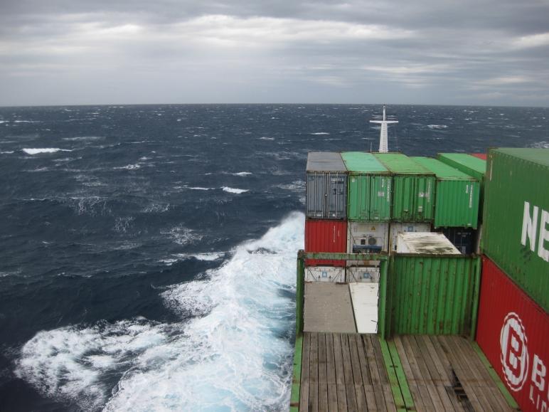 El Mistral encrespa la Mar