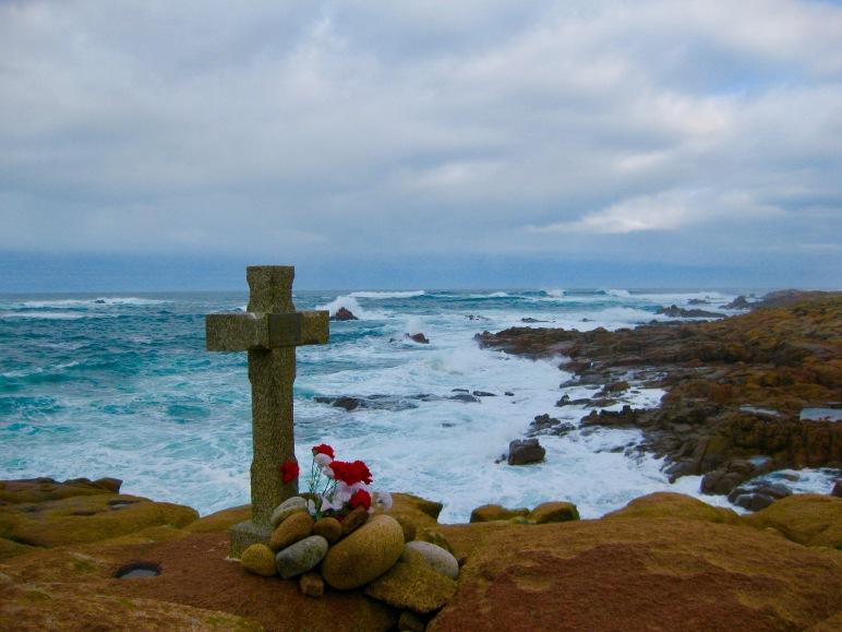 Recuerdo a los que la Mar se llevó en la Costa da Morte.