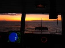 Navegando hacia el atardecer