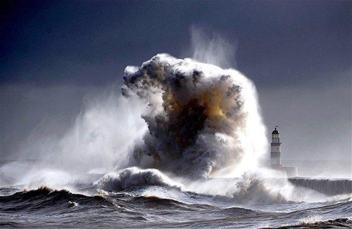 Tempestad en el Cabo San Vicente. Fotografía cortesía de Zenda, donde este relato fue publicado en julio del 2016